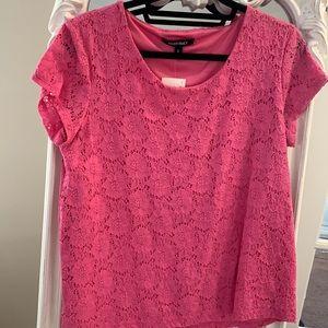 2/$15 Ellen Tracy Bubblegum pink lace tshirt